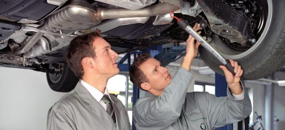Проверка машины перед покупкой с помощью специалистов
