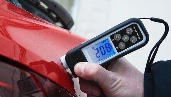 Проверка краски автомобиля толщинометром