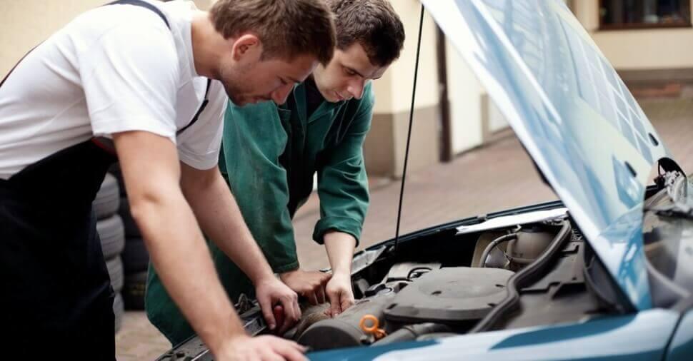 Осмотр автомобиля при покупке
