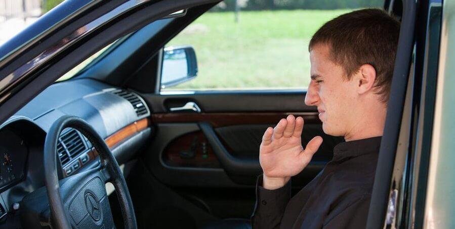 Чем пахнет в автомобиле