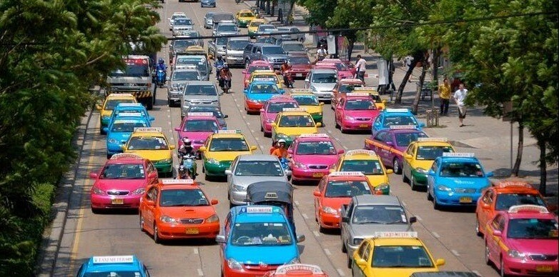 Автомобили цвета