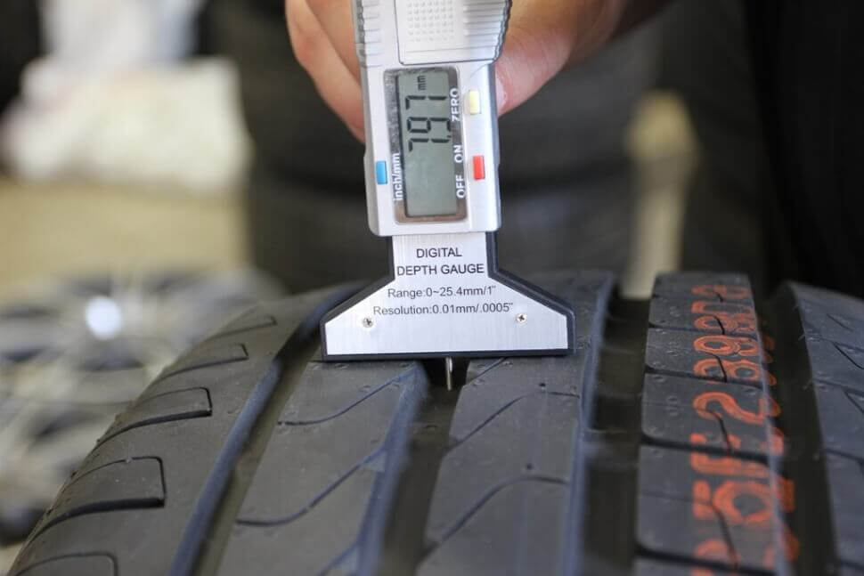 Измерить глубину протектора