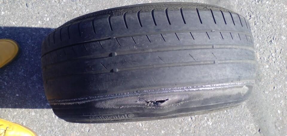 Следы ремонта шины