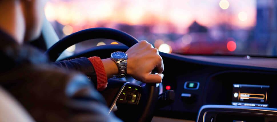 Проверка рулевого управления автомобиля на ходу