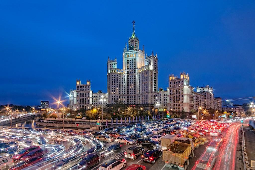 какие машины покупают в мегаполисах России