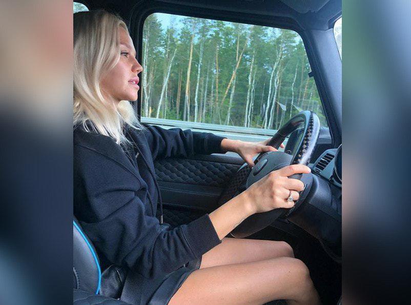 жена Кокорина