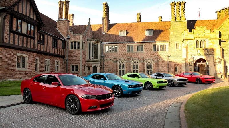 разноцветные автомобили