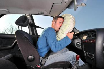 Устройство автомобиля. Как работают подушки безопасности?