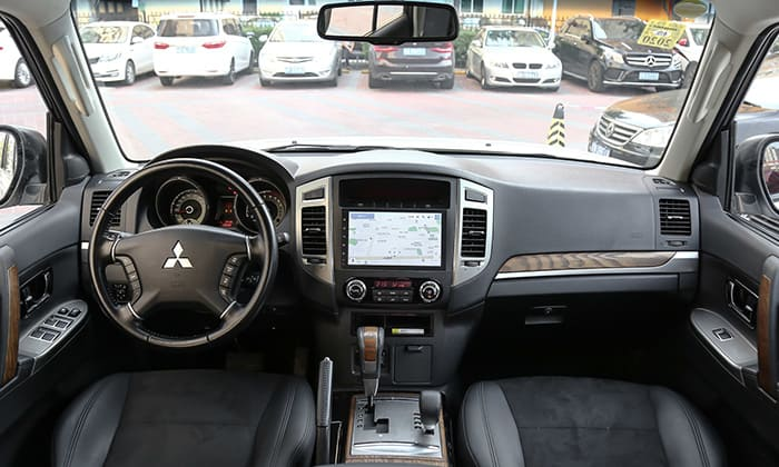 Mitsubishi-Pajero-Final-Edition