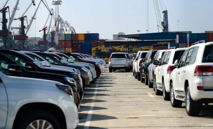 С 1 июля ввозимые в Россию автомобили с пробегом будут проверять строже