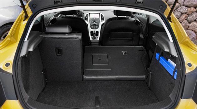 Opel Astra J GTC багажник