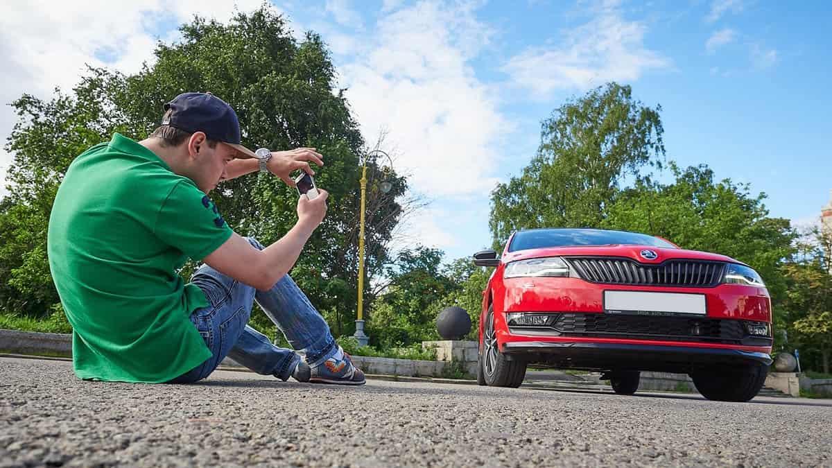 foto-avtomobila-na-ylice