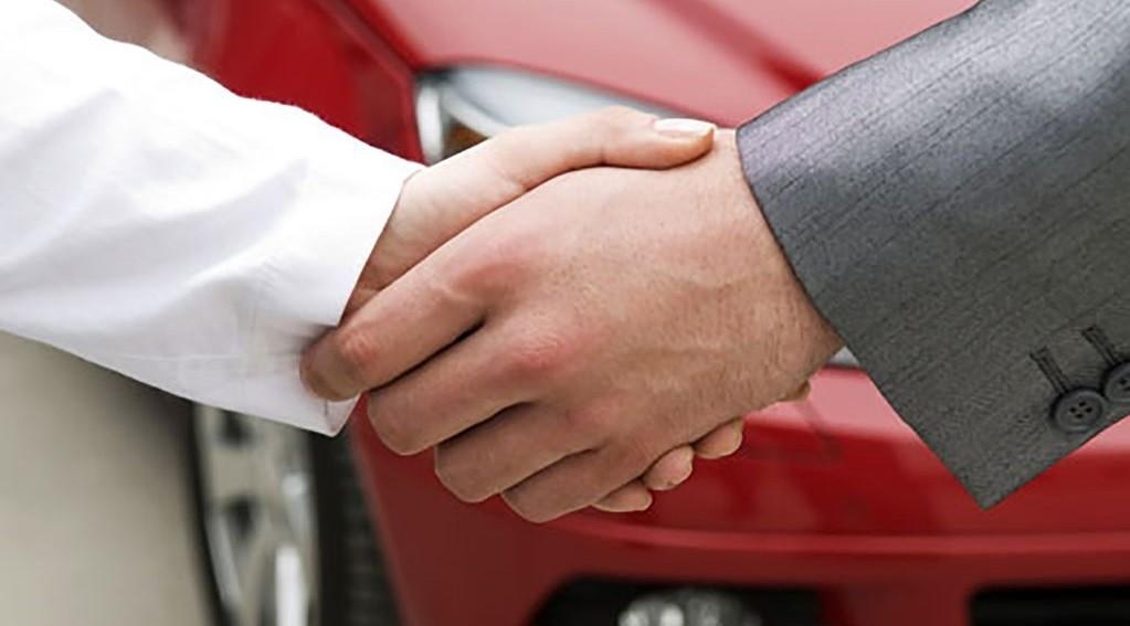 Можно ли продать машину не снимая с учета