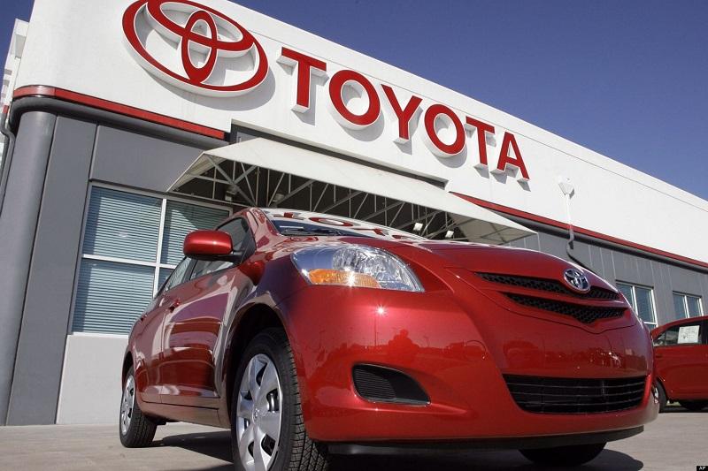 Nissan-I-Toyota