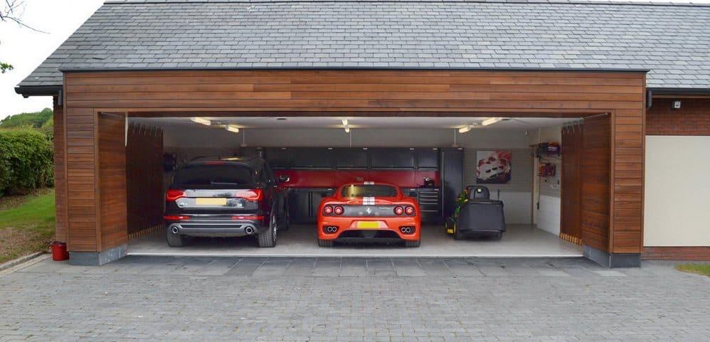 masina-v-garazhe