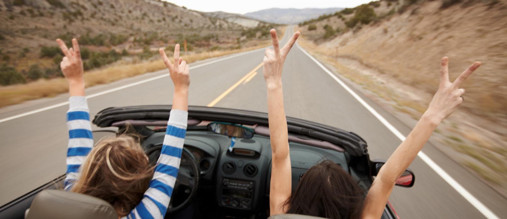 Руки из кабриолета