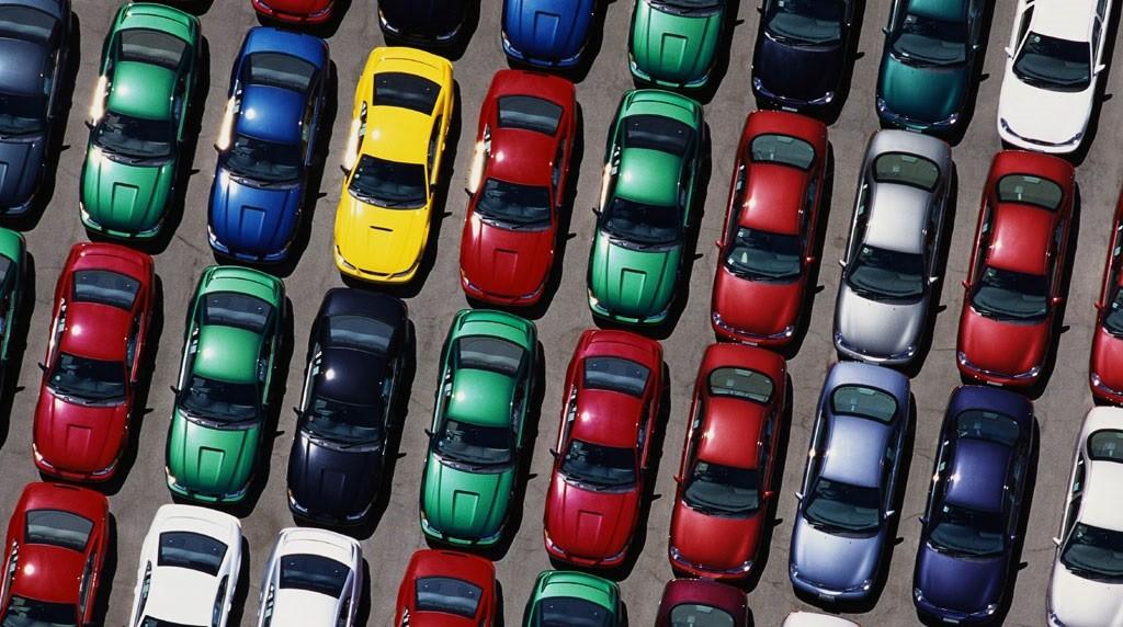 Выбор цвета также влияет на стоимость автомобиля